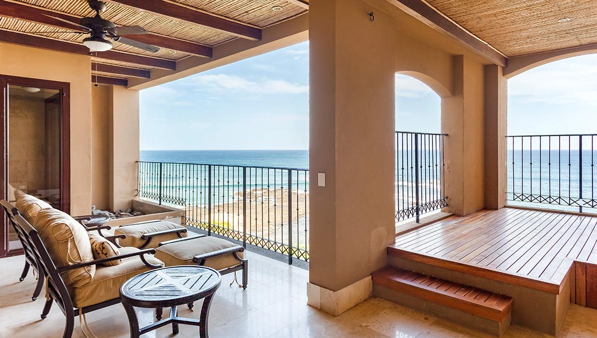 cs501-balconychairsview-langosta