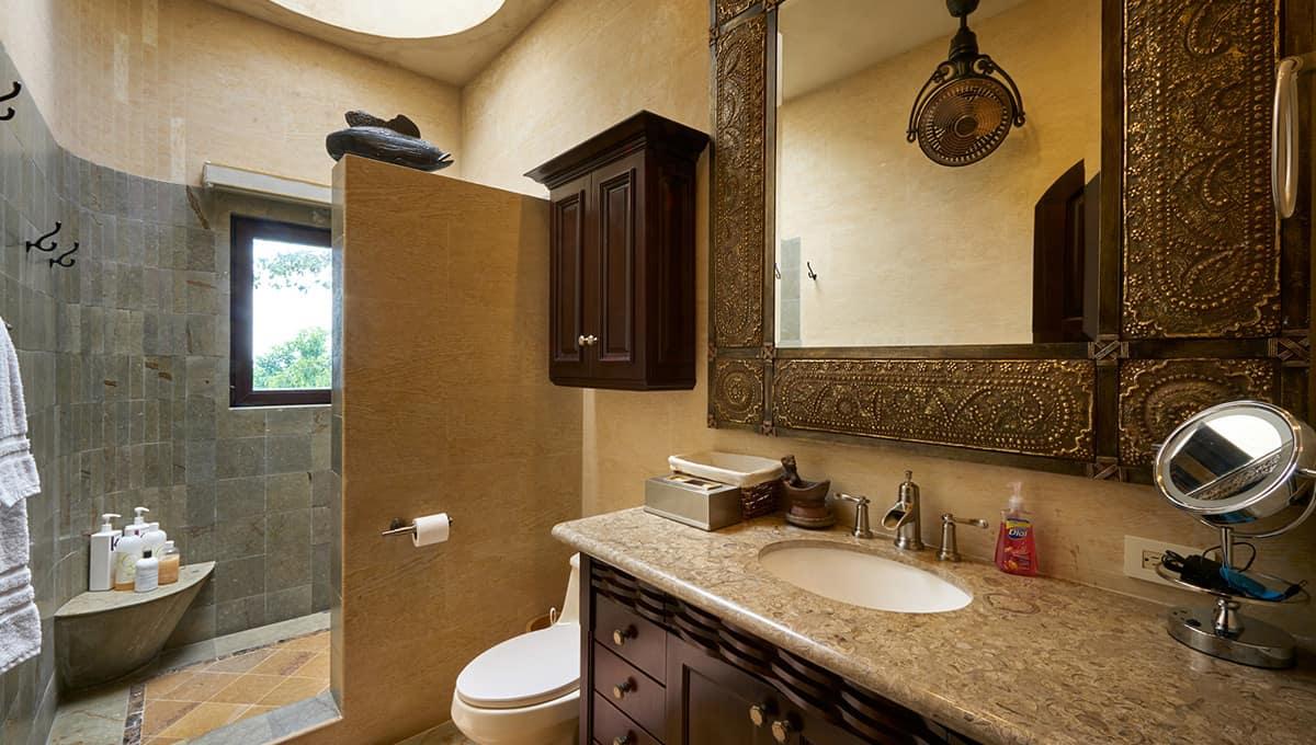 casaroca-masterbathroomshower2-langosta