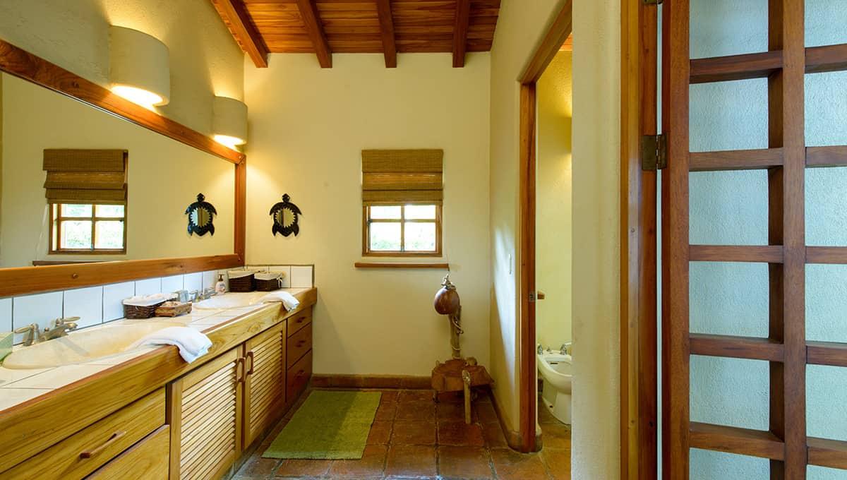 monomalo-bathroomsinks-langosta