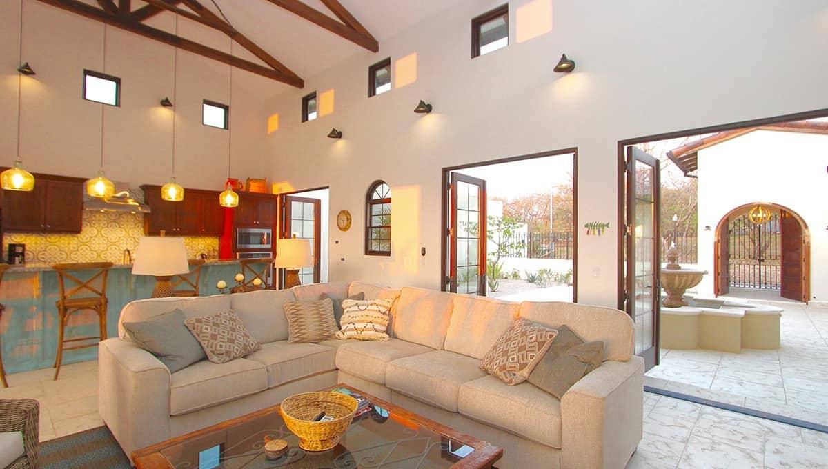 carolinadelmar-livingroomcouch-langosta