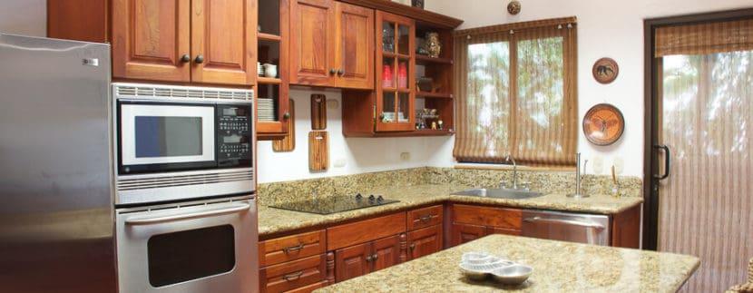 4-bedroom-kitchen