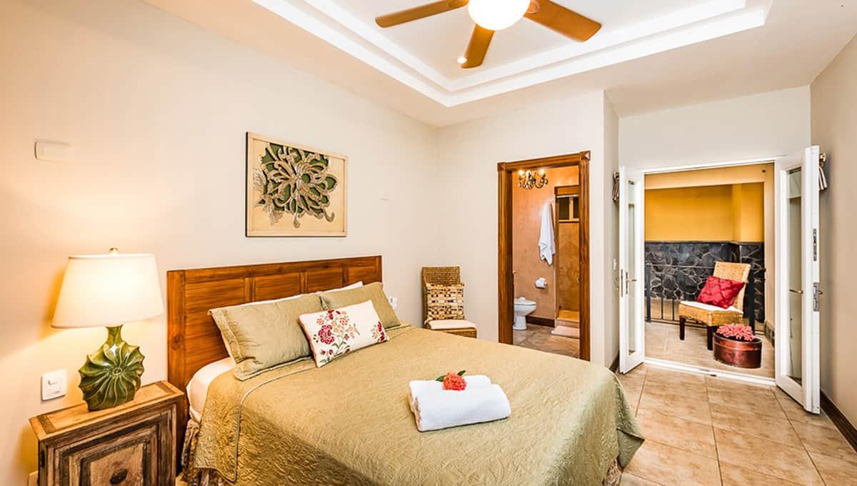 Horizontes guest bedroom bed langosta