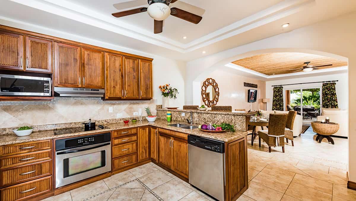 Horizontes104-kitchendinning-langosta