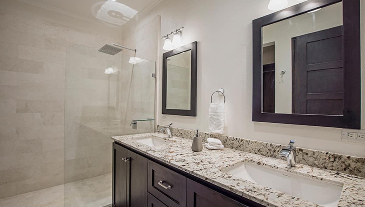casaleon-bathroomshower2-pinilla