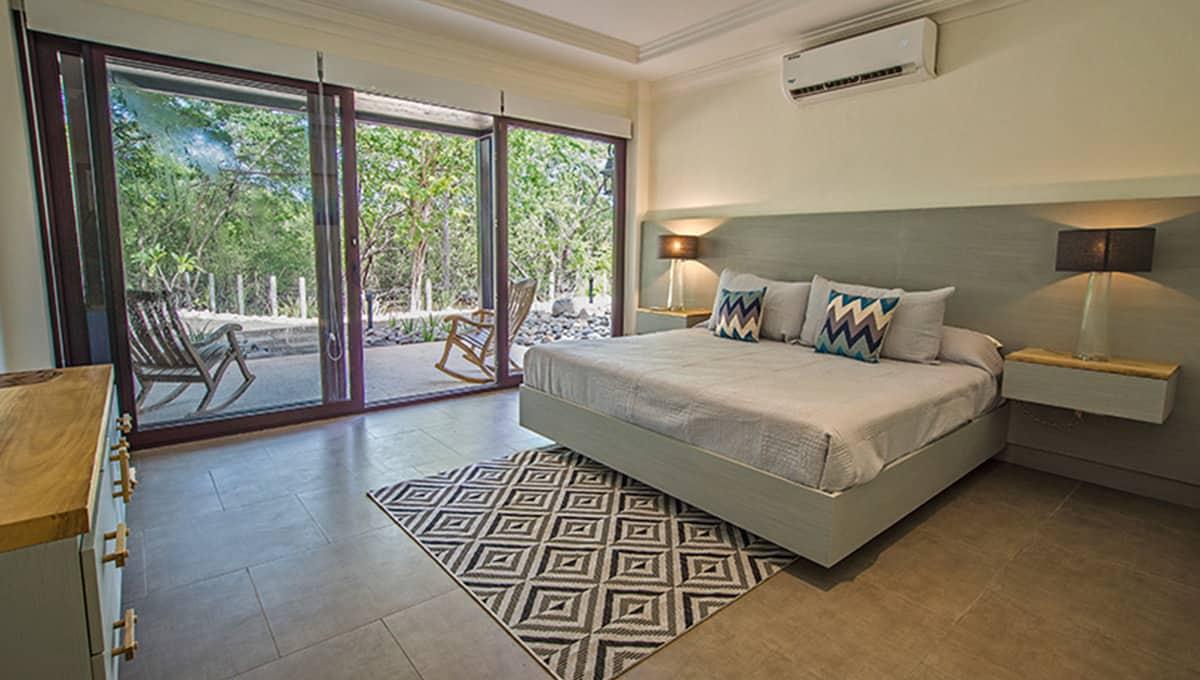 casaleon-kingbedroom3-pinilla