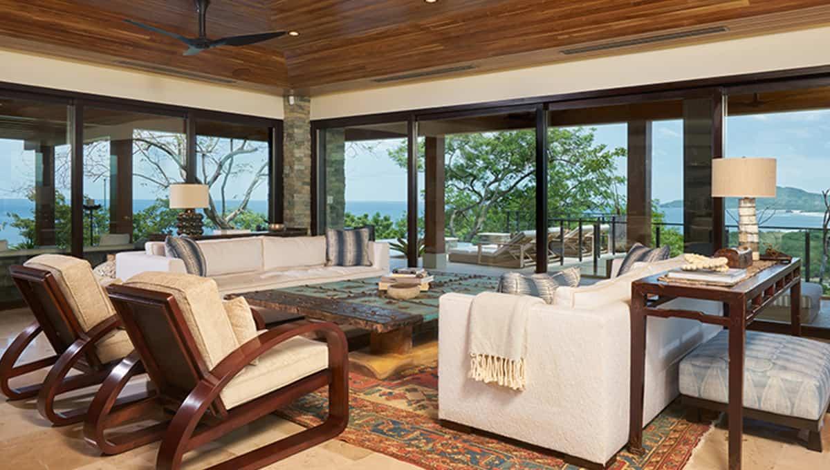 casalucy-livingroom-tamarindo