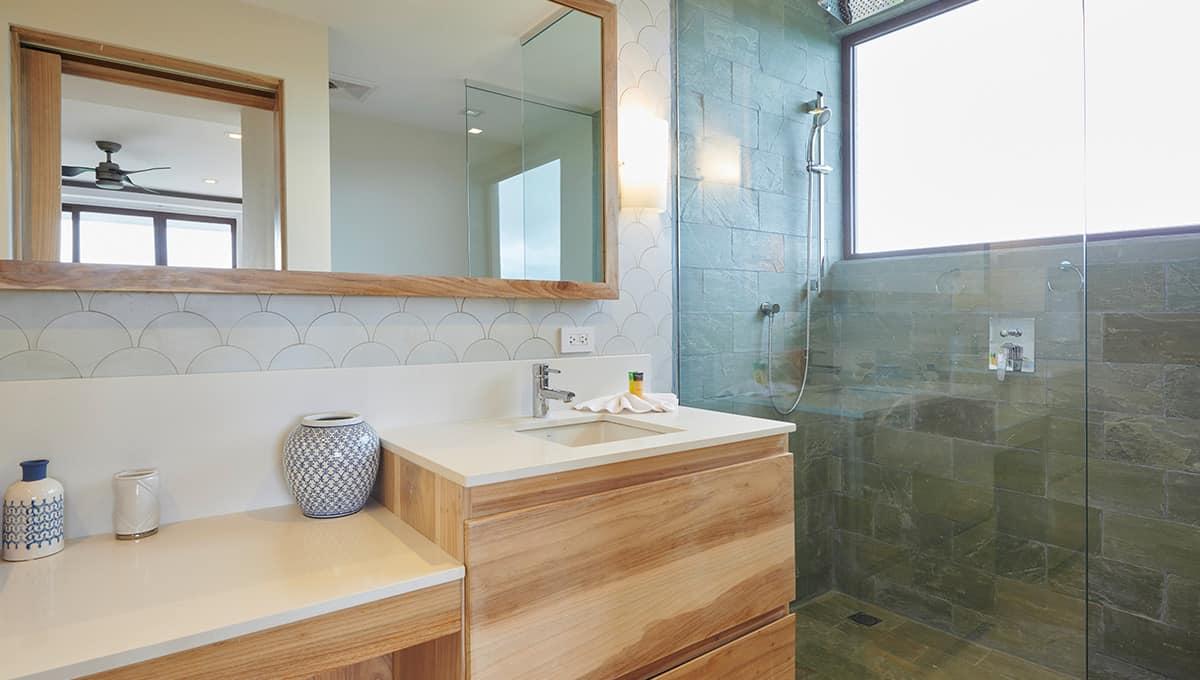enclave46-bathroomshower2-tamarindo