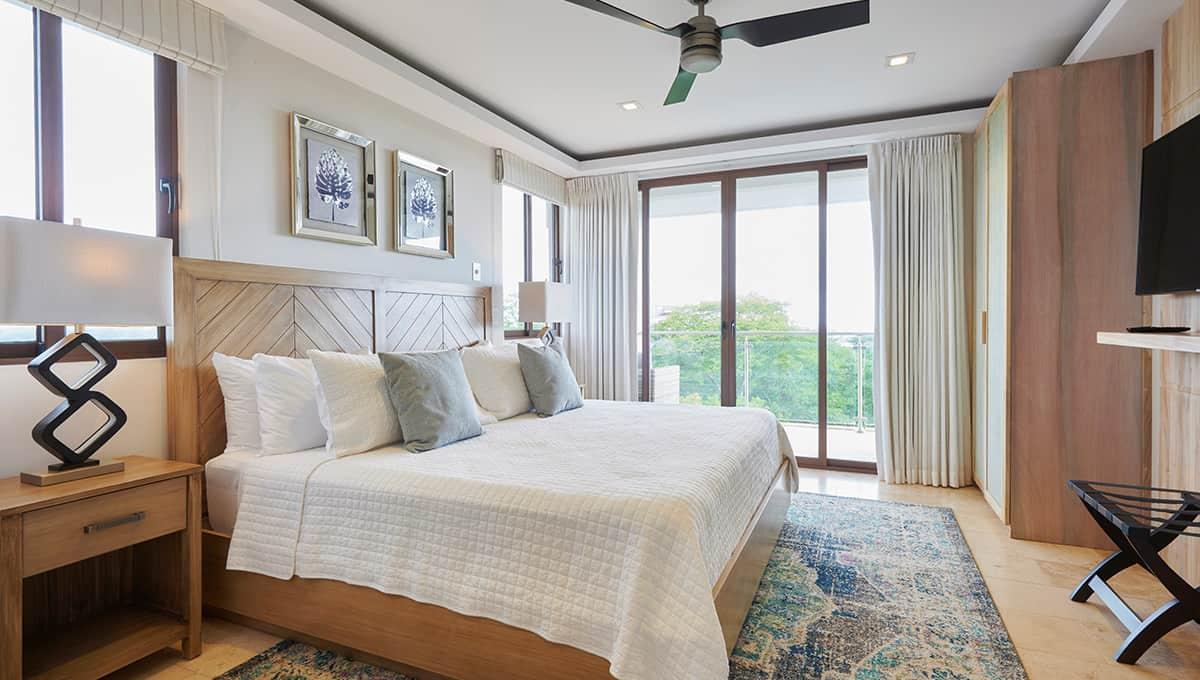 enclave46-kingbedroom-tamarindo