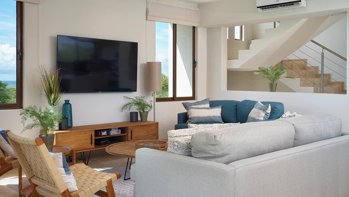 enclave46-livingroomtvstairs-tamarindo
