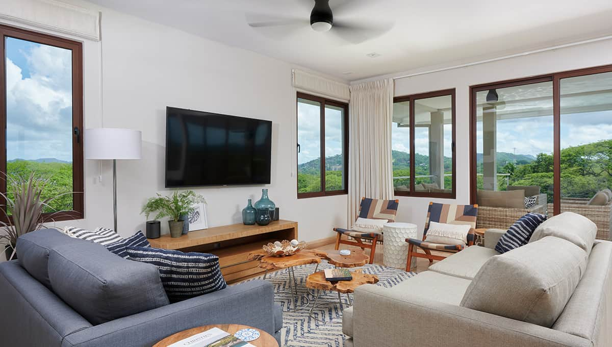 enclave49-livingroomtv-tamarindo