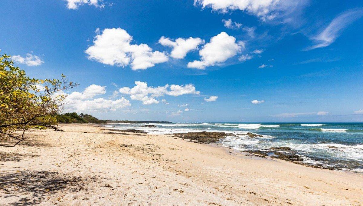 monomalo-beachestuary-langosta