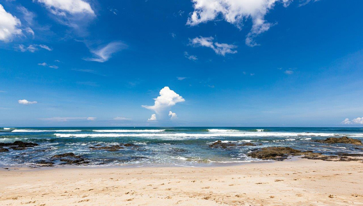 monomalo-beachrocks-langosta