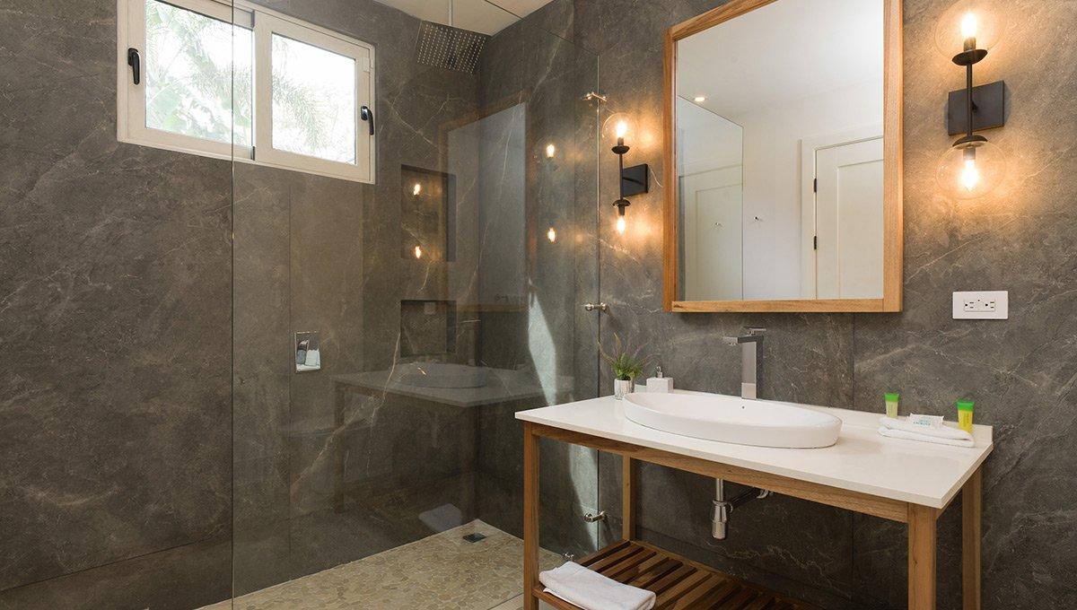 Perla-bathroomshowersink-tamarindo