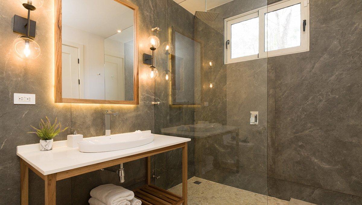 Perla-bathroomsinkslights-tamarindo